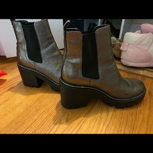 KENDALL AND KYLIS BOOTS SIZE 8 WORN TWICE